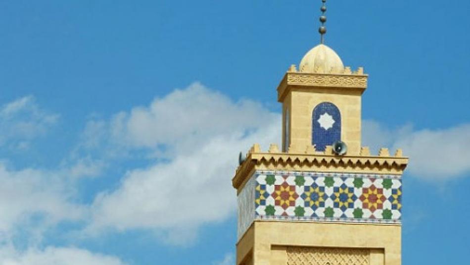 هل تم السماح بصلاة الفجر والعشاء بجميع المساجد؟