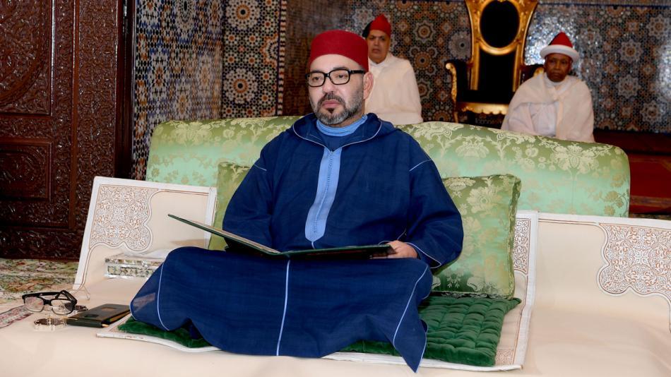 جلالة الملك يعزي أسرة أحمد السنوسي
