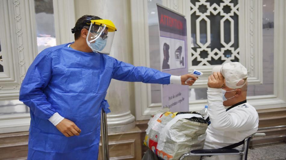 وزير الصحة التونسي: نمر بذروة الموجة الوبائية الرابعة