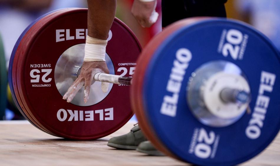 أولمبياد طوكيو .. رفع الأثقال أمام معركة البقاء في الألعاب