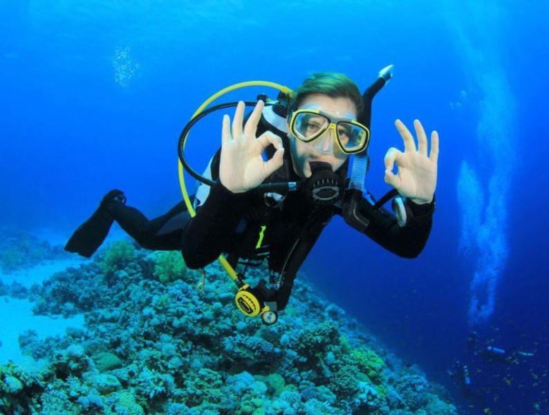 برنامج رياضي وترفيهي في الغوص بالمحمدية