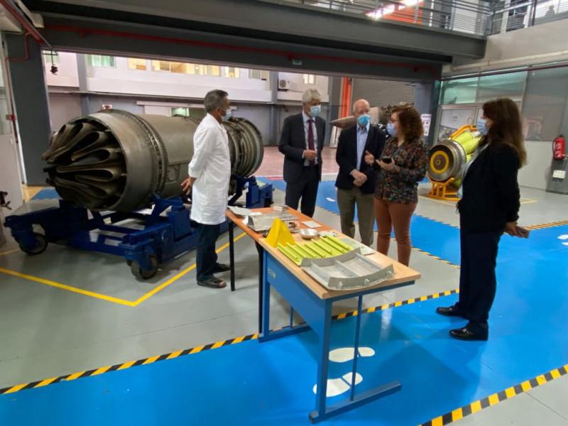وفد سويسري في النواصر لبحث التعاون في صناعة الطيران والفضاء